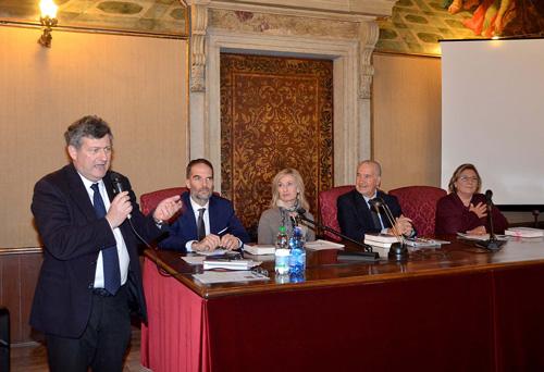 Claudio Scarpa (Cónsul Honorario de Uruguay en Venecia), Davide Scalzotto (periodista de Il Gazzettino), Ruperto Long (acompañado por la traductora), y Marina Scarpa (Vicepresidente de la Asociación Hijos de la Shoá).