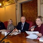 Davide Scalzotto (periodista de Il Gazzettino), Ruperto Long (acompañado por la traductora), y Marina Scarpa (Vicepresidente de la Asociación Hijos de la Shoá).