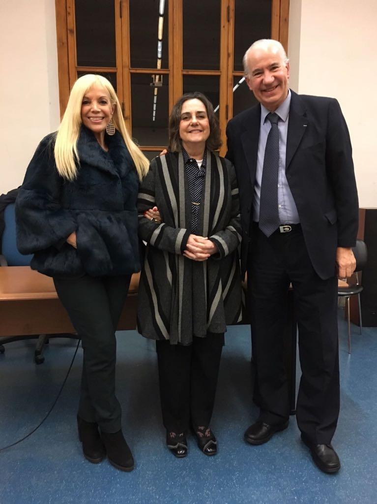 Sylvia Irrazabal (Agregada Cultural de la Embajada de Uruguay en Italia), Martha Canfield  (Universidad de Florencia) y Ruperto Long.